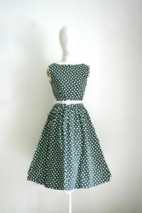 Šaty Lindy Bop tmavě zelené s bílým puntíkem