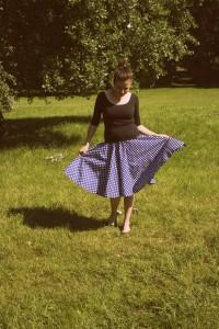 Sukně Lindy Bop modrá s bílým puntíkem